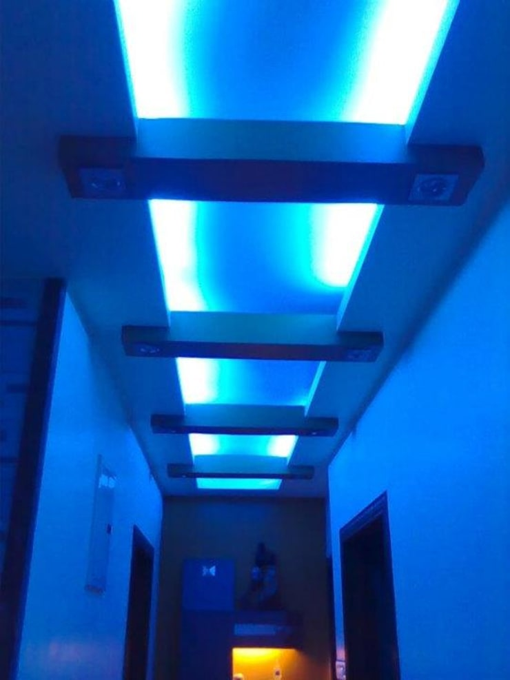 false ceiling:  Corridor, hallway & stairs  by Alaya D'decor