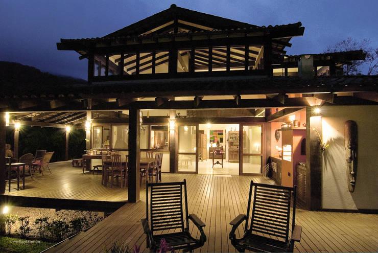 Terrace by Mellani Fotografias