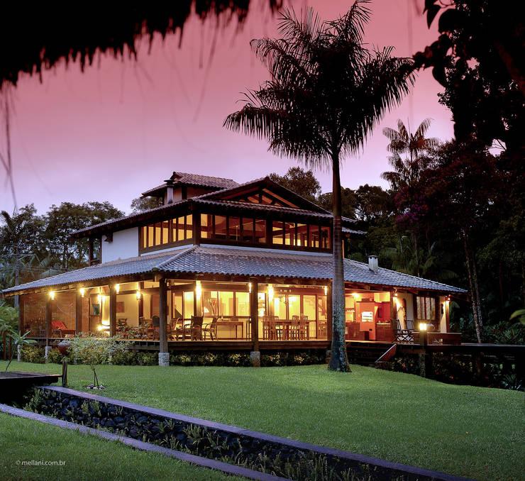 Casa da Praia: Casas tropicais por Mellani Fotografias