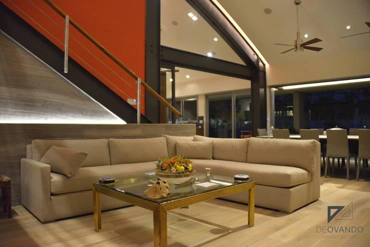 Pent House in Polanco Mexico City: Salas de estilo  por De Ovando Arquitectos