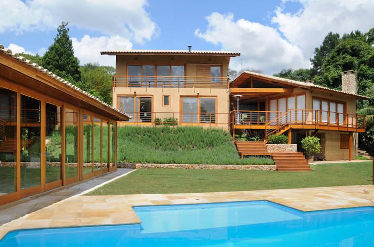 Casas de estilo moderno por Martins Valente Arquitetura e Interiores