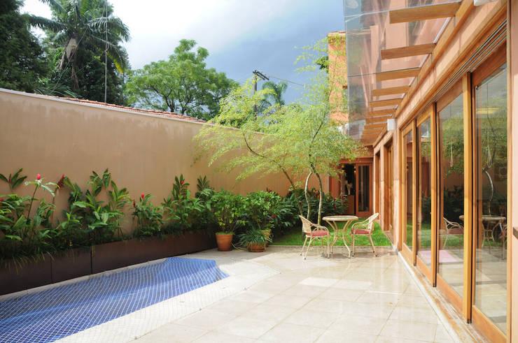 Casas  por Martins Valente Arquitetura e Interiores