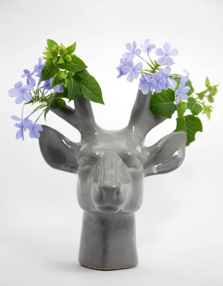 Cievo Florero: Hogar de estilo  por FRIDA ceramica