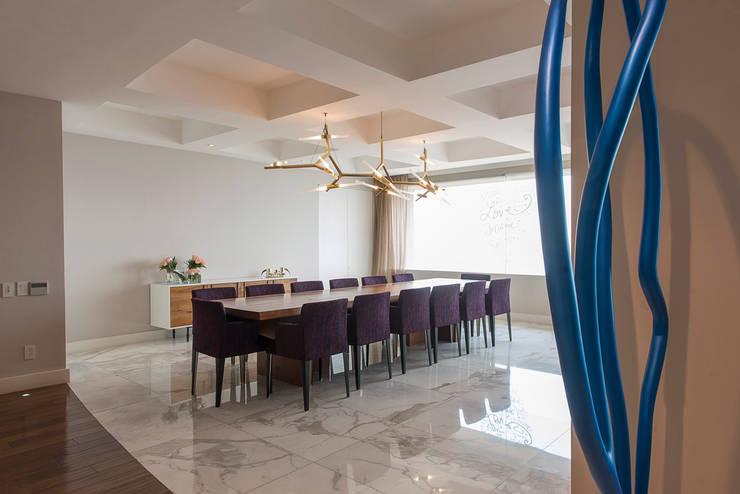 Departamento Altus : Comedores de estilo  por Hansi Arquitectura