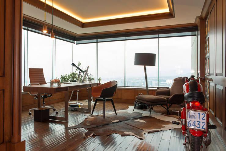 Departamento Altus : Salas multimedia de estilo  por Hansi Arquitectura