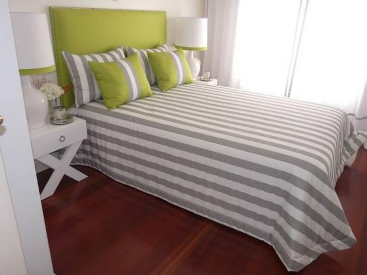 Restyling de uma casa de Verão: Quartos  por Blanco Interiores
