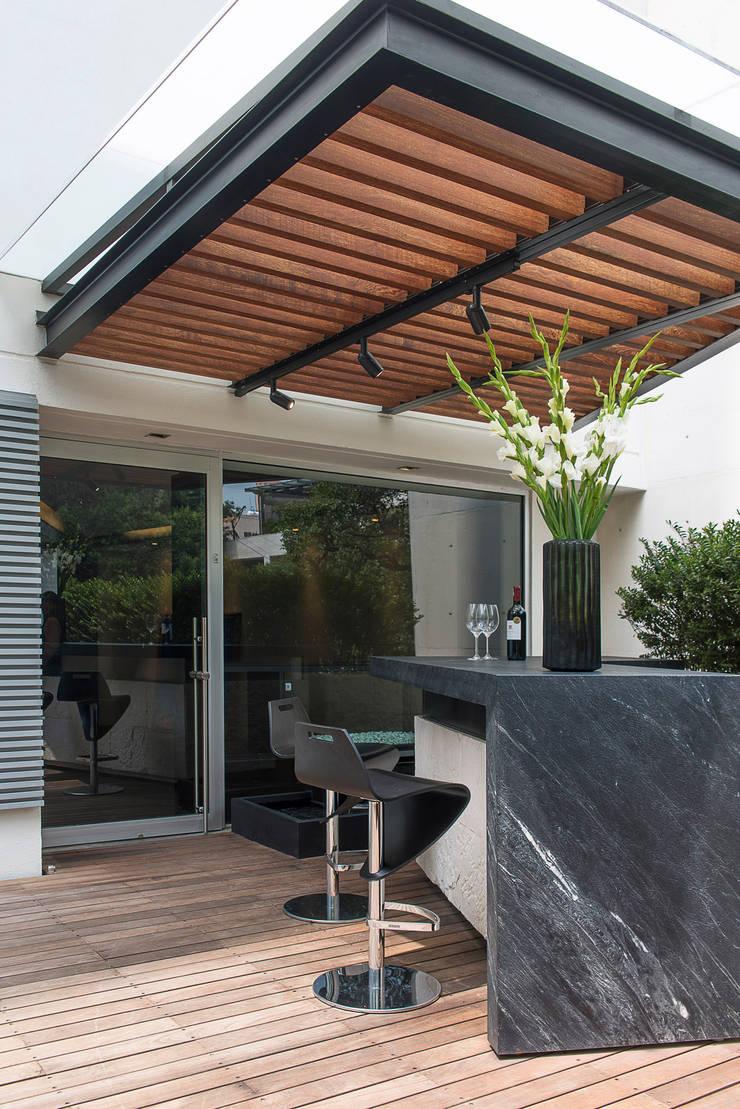 Departamento HG: Terrazas de estilo  por Hansi Arquitectura