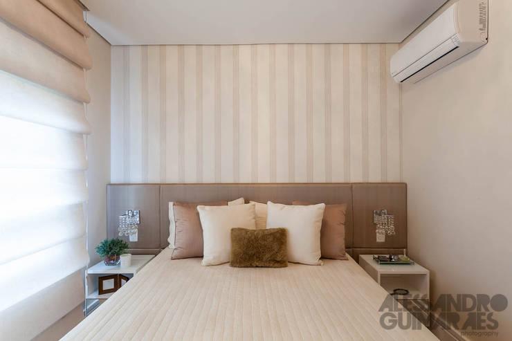 Спальная комната  в . Автор – Martins Valente Arquitetura e Interiores