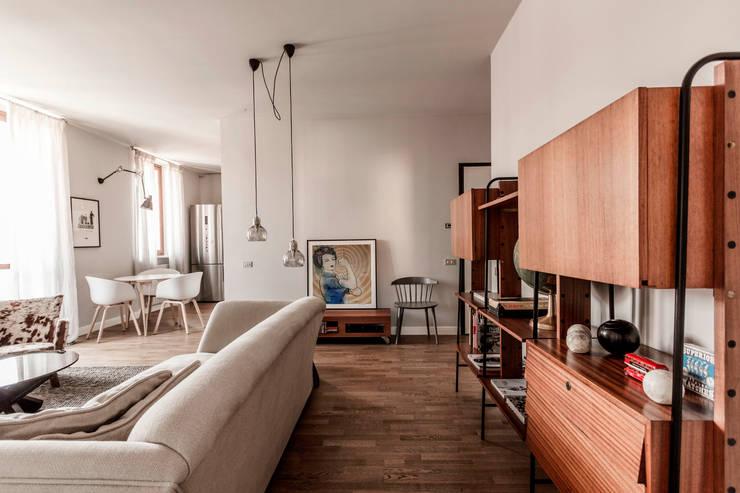 Appartamento Residenziale - Brianza 2014: Soggiorno in stile  di Galleria del Vento