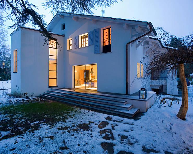 Villa Genève: Maisons de style  par Peter Kammermann Décorateur