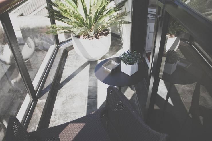 FLAT JARDINS: Jardins  por RC ARQUITETURA