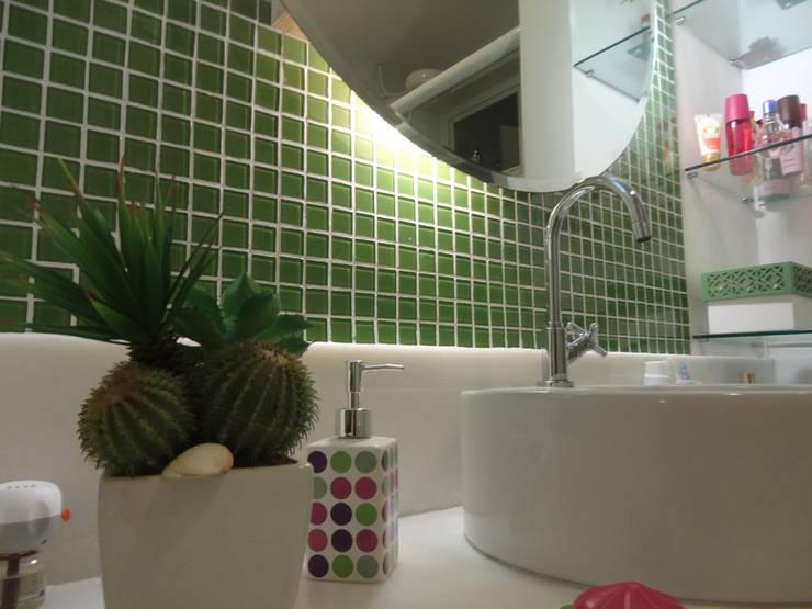 Banho meninas: Banheiros  por L N arquitetos