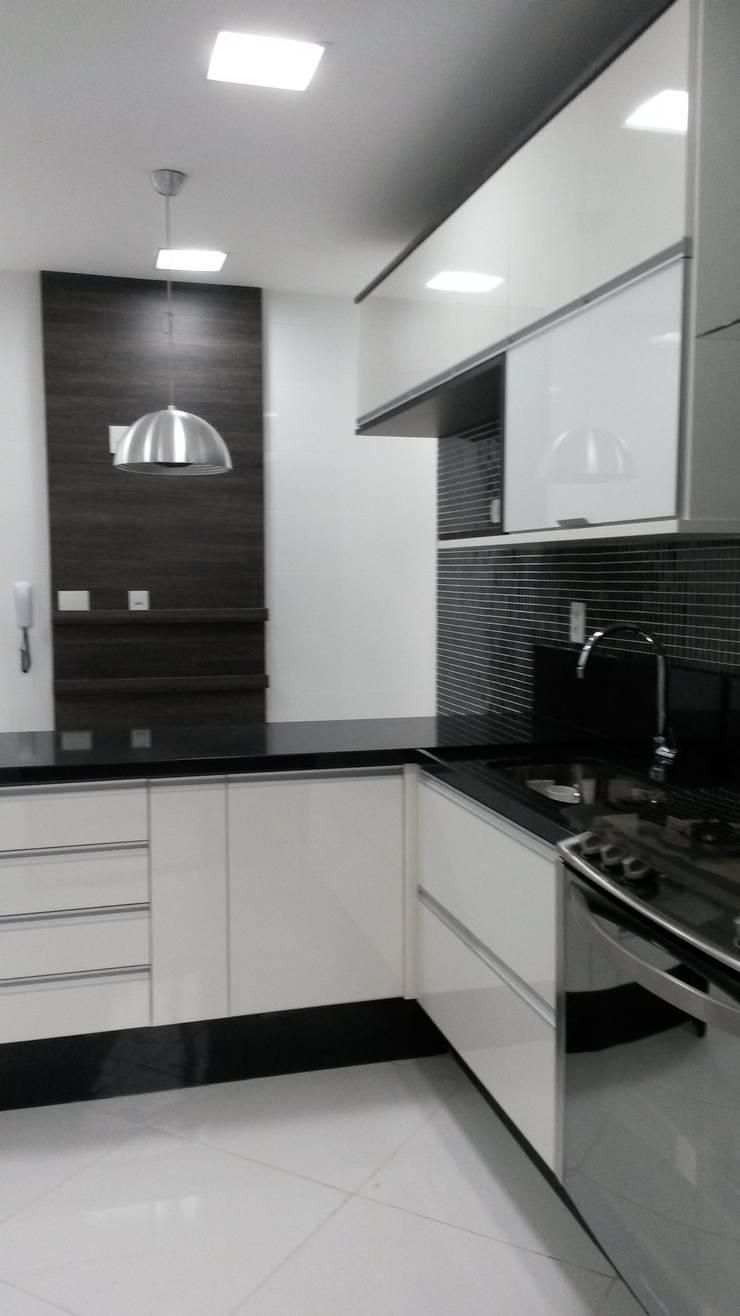cozinha: Cozinhas  por L N arquitetos,
