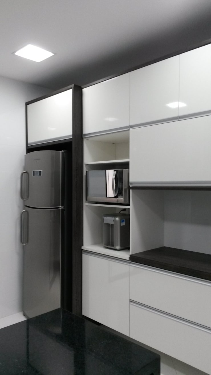 armários cozinha: Cozinhas  por L N arquitetos,
