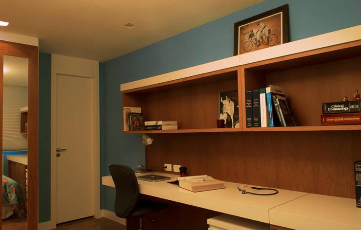 Suíte: Quartos  por CORES - Arquitetura e Interiores
