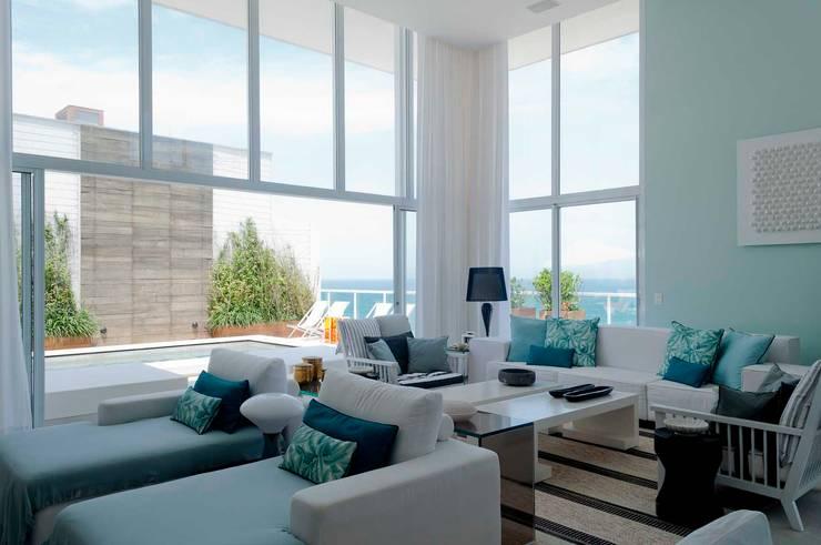 Cobertura Riviera Salas de estar modernas por Toninho Noronha Arquitetura Moderno