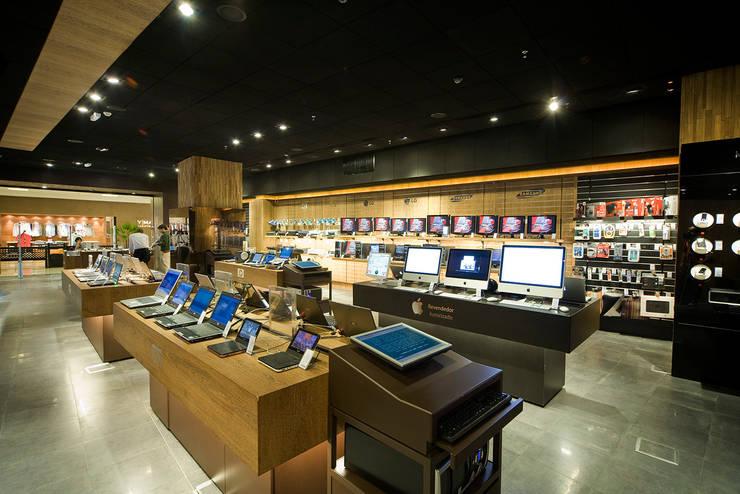 Loja Fast Shop Pátio Paulista: Lojas e imóveis comerciais  por Toninho Noronha Arquitetura
