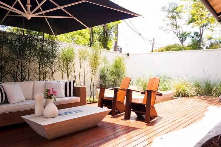 Casa Cidade Jardim: Terraços  por Toninho Noronha Arquitetura