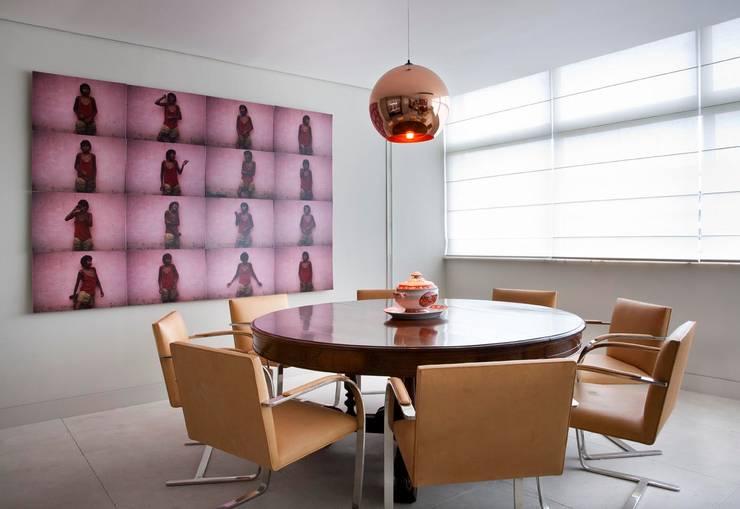 Apartamento Leblon: Salas de jantar  por Toninho Noronha Arquitetura