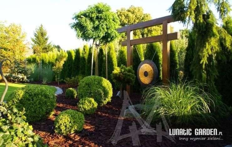 in stile  di Lunatic Garden