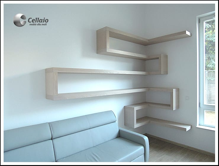 Półki w salonie: styl , w kategorii Salon zaprojektowany przez Cellaio