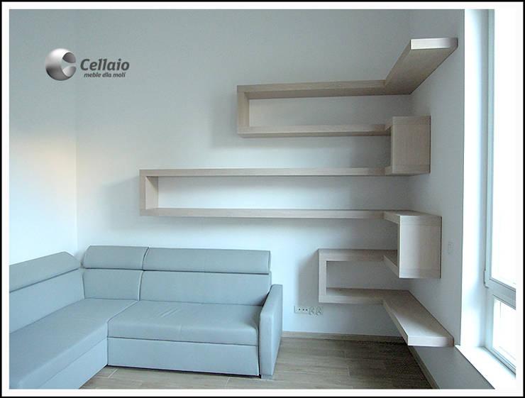 Półki w salonie: styl , w kategorii Pokój dziecięcy zaprojektowany przez Cellaio