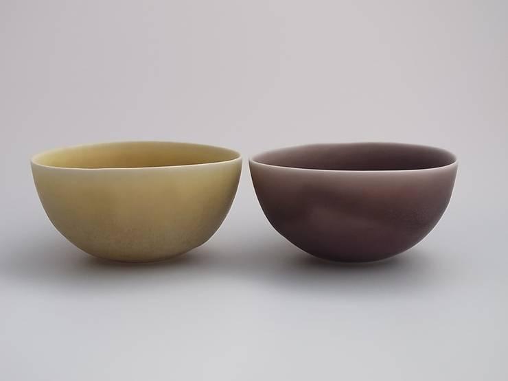 coco#1 yellow,mauve: AYAKO SASAKI porcelainが手掛けた折衷的なです。,オリジナル 磁器