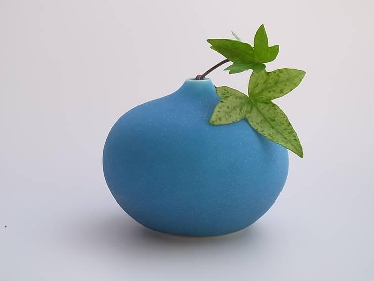 drop#3 turquoise: AYAKO SASAKI porcelainが手掛けたインテリアランドスケープです。