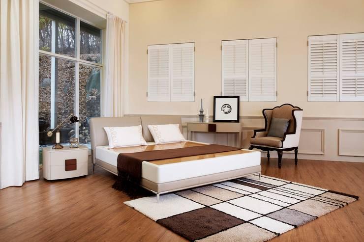 리스톤 아니마 침대와 흙돌 스톤 매트리스: 리스톤의  침실