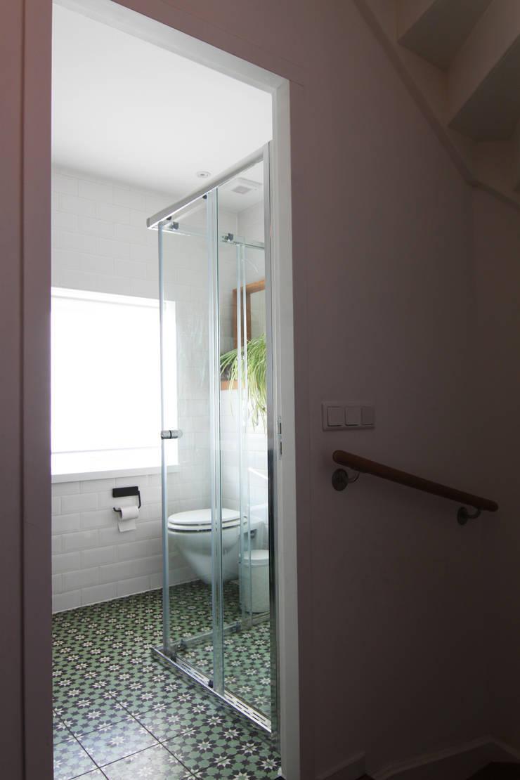 Bertus residency:  Badkamer door Diego Alonso designs, Modern
