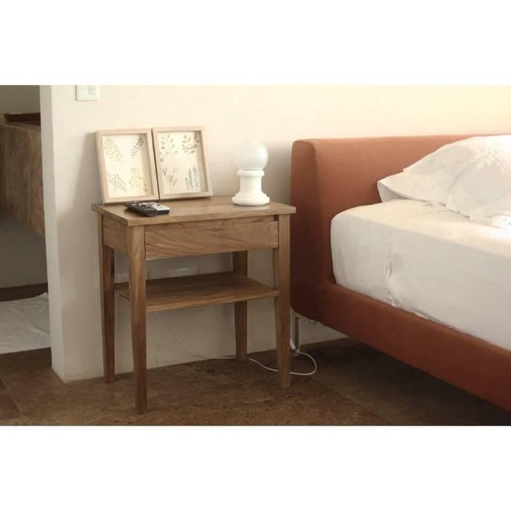 Productos a ambientaciones: Dormitorios de estilo  por SEKKEI DECOR