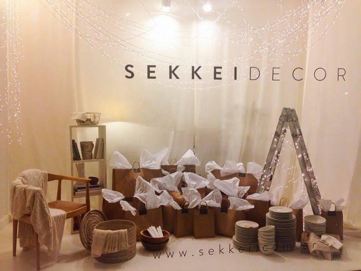 Productos a ambientaciones: Hogar de estilo  por SEKKEI DECOR