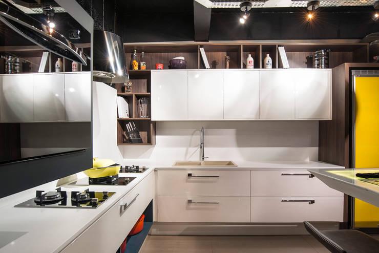 Cozinha Bontempo Espaços comerciais modernos por Pinheiro Machado Arquitetura Moderno