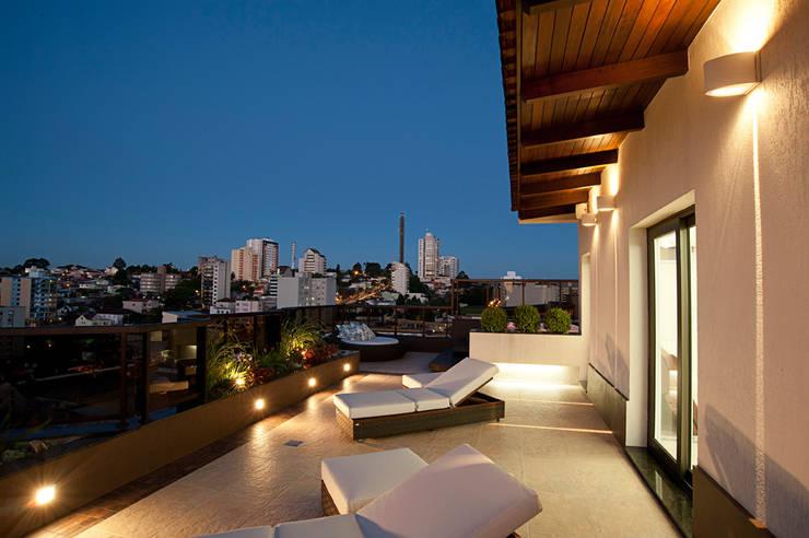 Reforma residencial: Terraços  por Pinheiro Machado Arquitetura