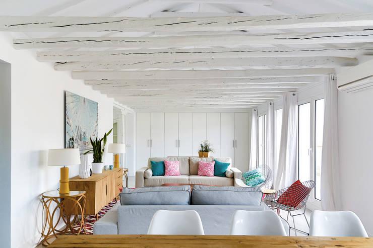 Salas de estar  por StudioBMK