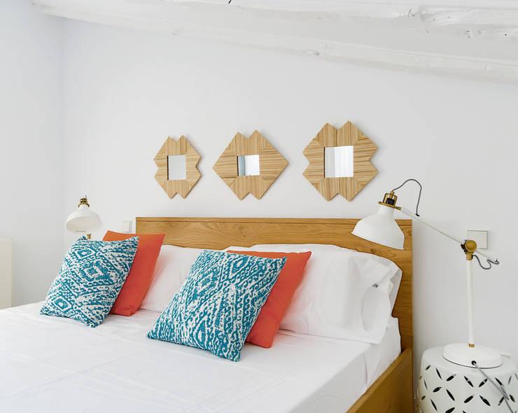 Projekty,  Sypialnia zaprojektowane przez StudioBMK