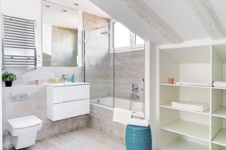 Casas de banho  por StudioBMK