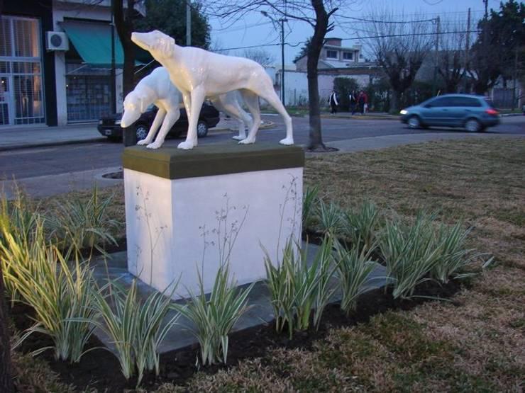 Estatua: Jardines de estilo  por CubiK