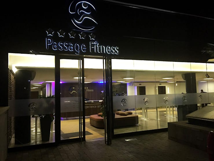 Passage fitness:  Bars & clubs door Diego Alonso designs