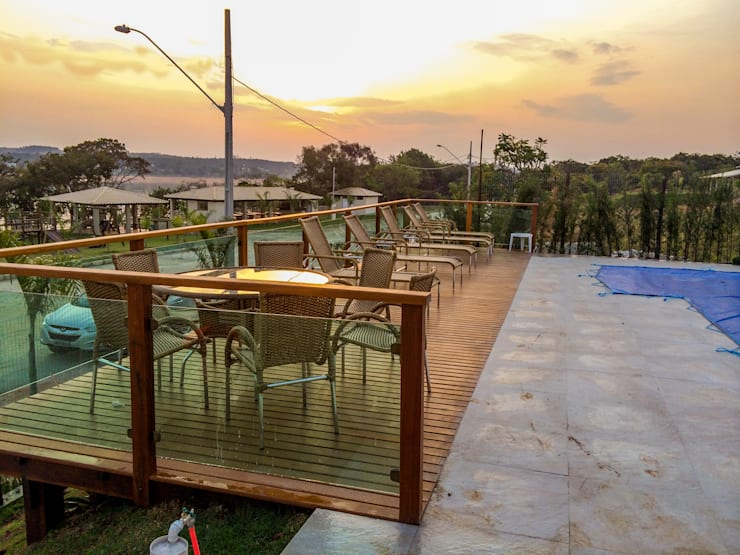 Área de Lazer:   por CASA & CAMPO - Casas pré-fabricadas em madeiras