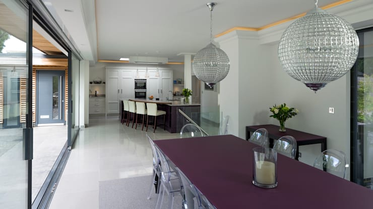 Open Plan Kitchen - Dining Room: modern Dining room by Wildblood Macdonald