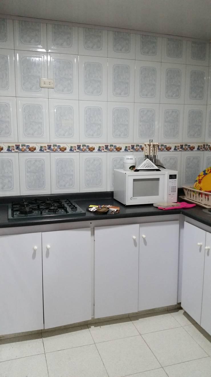 Cocina Integral  antes: Cocina de estilo  por Proyectar Diseño Interior