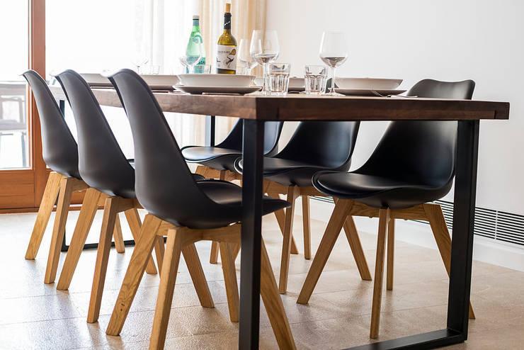 Ruang Makan Modern Oleh ISLABAU constructora Modern