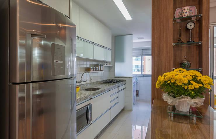 Cocinas de estilo  por Eveline Maciel - Arquitetura e Interiores, Moderno