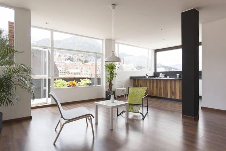客廳 by ODA - Oficina de Diseño y Arquitectura