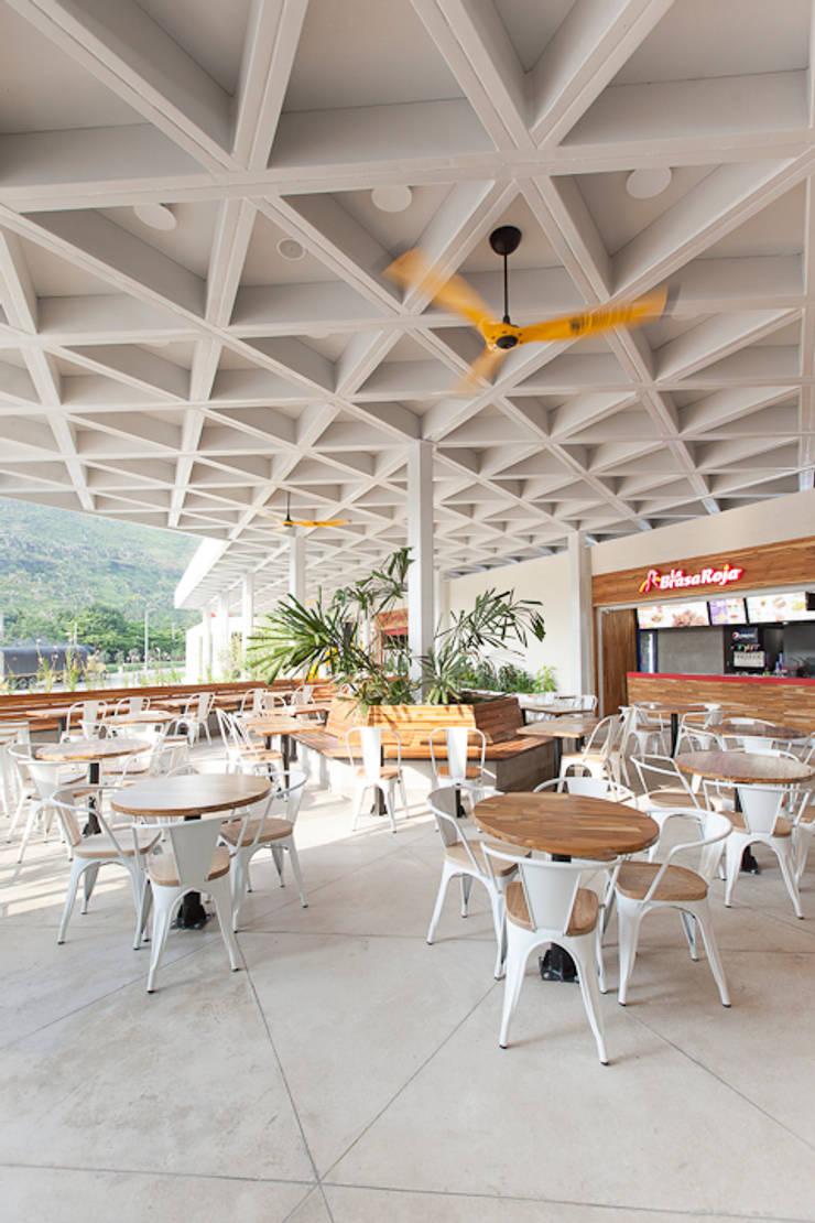 Ladenflächen von ODA - Oficina de Diseño y Arquitectura