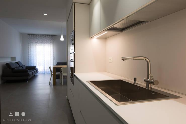 viavenezia: Cucina in stile  di ALESSIO TOSTI DESIGN