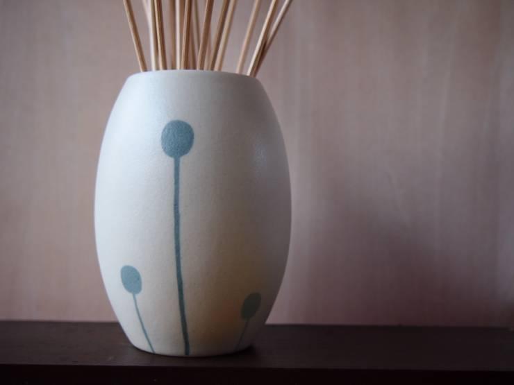 aroma diffuser / czech all seasons létoシリーズ: ポティエ 手塚美弥が手掛けたキッチンです。,