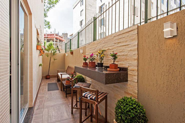 Apartamento 13: Terraços  por Patrícia Azoni Arquitetura + Arte & Design