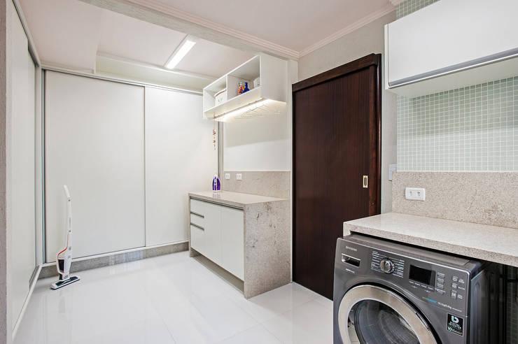 Apartamento 13: Garagens e edículas  por Patrícia Azoni Arquitetura + Arte & Design
